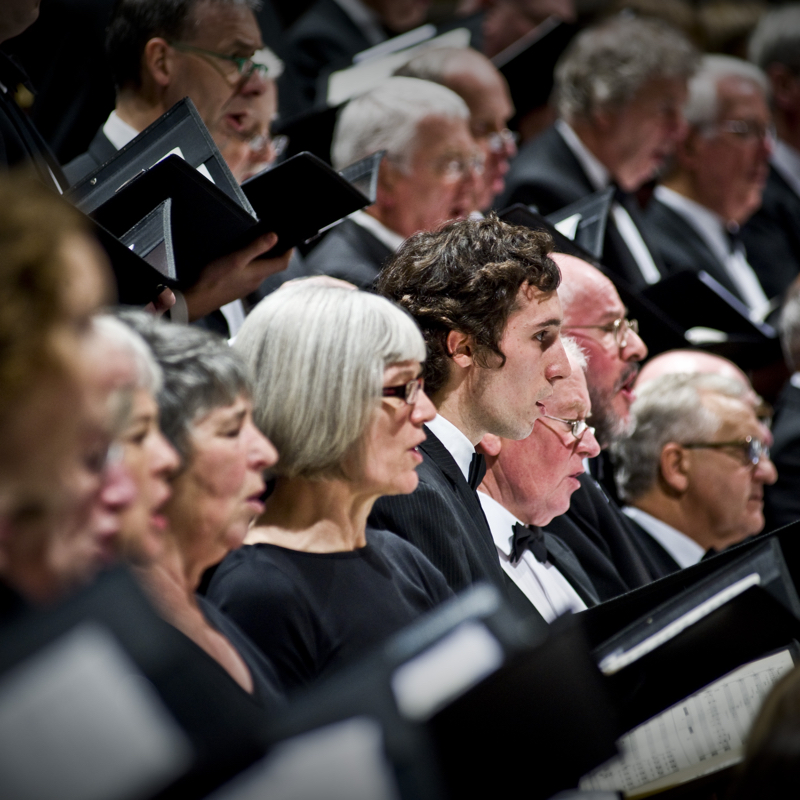 Oundjian Conducts Brahms' Requiem